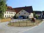 Hofeinfahrt zum Wiesenthof